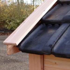 Dog house Reno with roof tiles in the colour you wish!