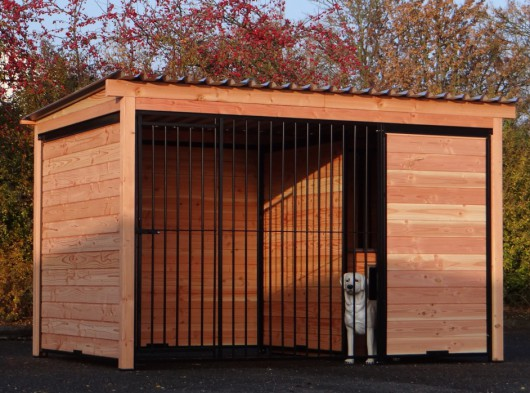 Dog kennel Forz black with insulated doghouse and Douglas wood frame