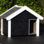 Doghouse Reno black/white with roof tiles