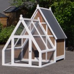 Large chicken coop Pip with run
