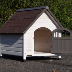 Doghouse Private 3 is used for smaller dogs like a Beagle or Spitz