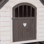Doghouse Private 4, beautiful doghouse with wooden heart