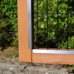 Rabbit hutch with aluminum strips