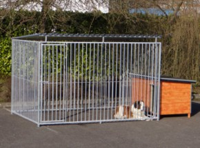 Large dog kennel with roof and insulated doghouse 200x407 cm