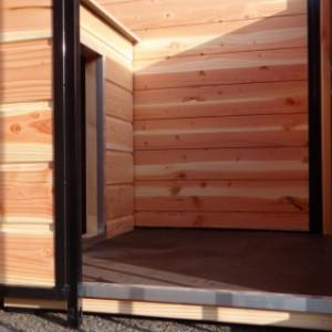 Platform for impregnated doghouse