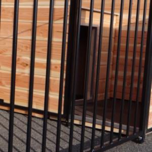 Black mesh, Douglas wood
