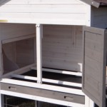 Chicken house with drawer