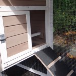 Chicken coop with lockable sleeping compartment